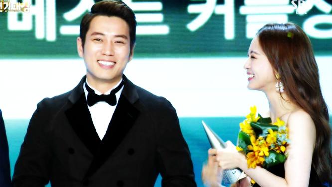 [2014 연기대상] 주상욱-한예슬 커플의 장점은 나이?! 썸네일 이미지