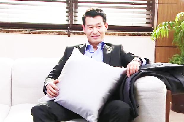 [메이킹] '강재홀릭 2탄' 촬영장을 매료시킨 박혁권의 매력은?
