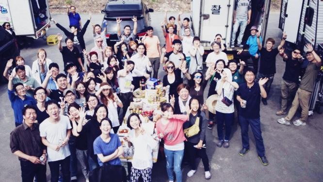 마지막 촬영, 행복했던 배우들! 시원하게 마무으리!! 썸네일 이미지
