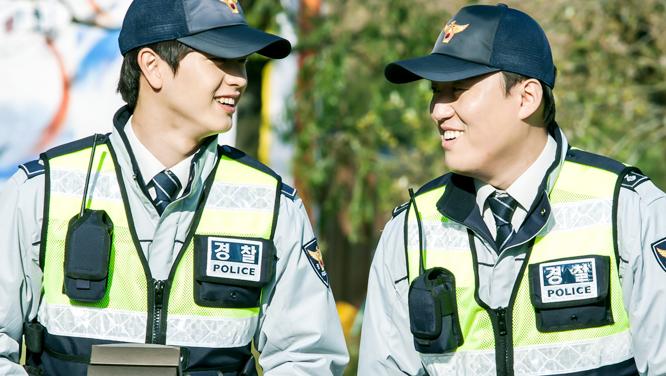 [비하인드] 서로의 얼굴만 봐도 웃음이 나오는 한우콤비 썸네일 이미지