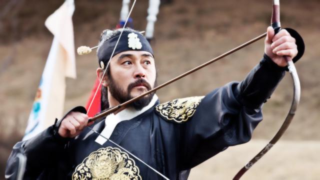 숙종의 시위는 과녁 중앙에 박히고, 옆에서 지켜보는 김이수 썸네일 이미지