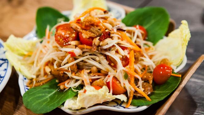 매콤, 새콤, 달콤, 짭짤한 4가지 맛 한꺼번에 즐기는 태국 볶음쌀국수 '팟타이'