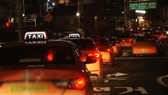 """[135회] """"택시 모는 게 죄인가요?"""" - 택시기사 잔혹사 外 썸네일 이미지"""
