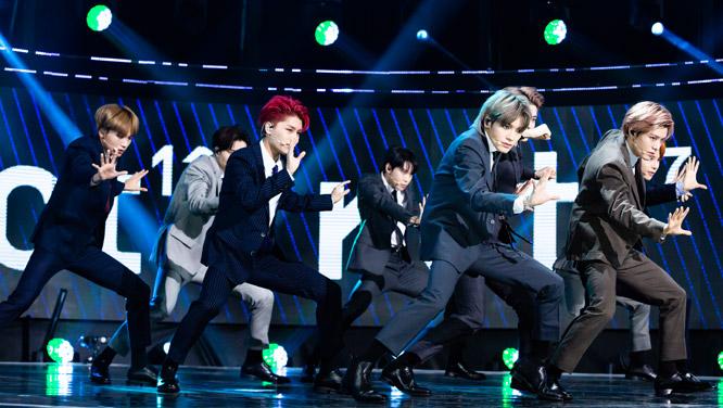 [현장포토]K-POP 센세이션! 독보적인 분위기로 글로벌 홀릭을 예고한 대세돌 NCT 127 썸네일 이미지