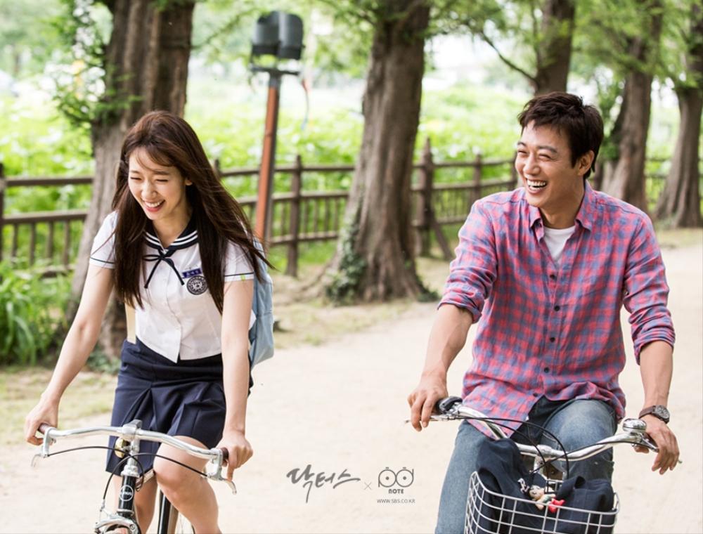 닥터스 포토스케치 자전거를 타며 웃는 모습도 닮아 가는 김래원, 박신혜