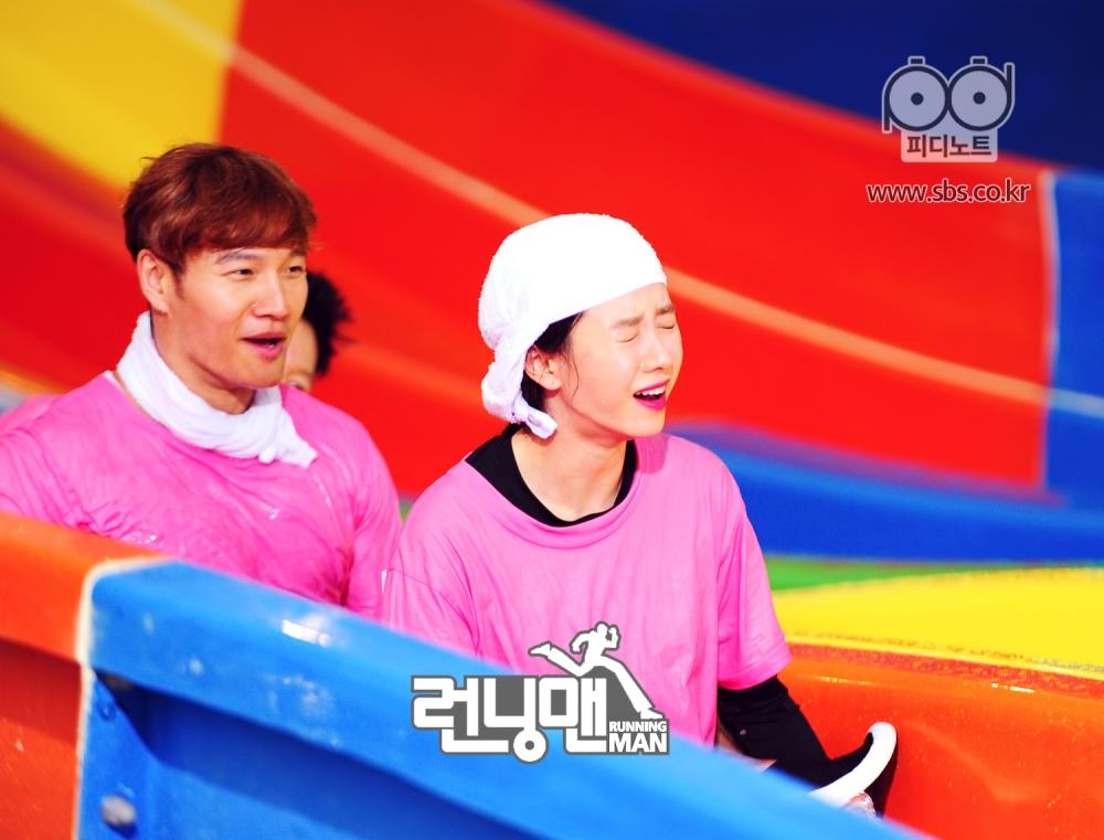 김종국 웃는 모습과 징징대는 지효 모습