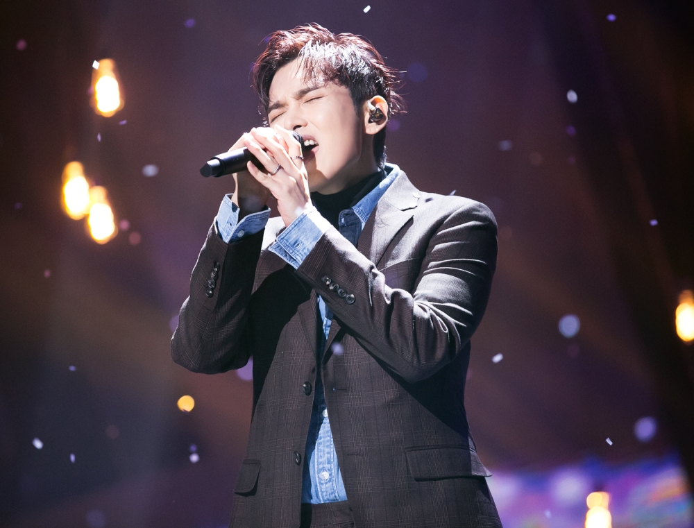 려욱의 미공개 베스트 컷이 있다.
