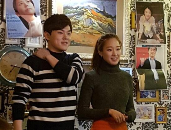 송년회모임추진위원회 인권이와 시은이