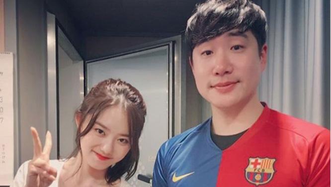 생일을 맞은 배성재 아나운서에게 도시락을 선물한 걸그룹 IOI 김소혜양과 함께-