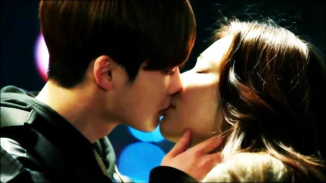 """[화제의 키스신] 2단 키스로 사랑 확인 """"포기 안돼"""""""