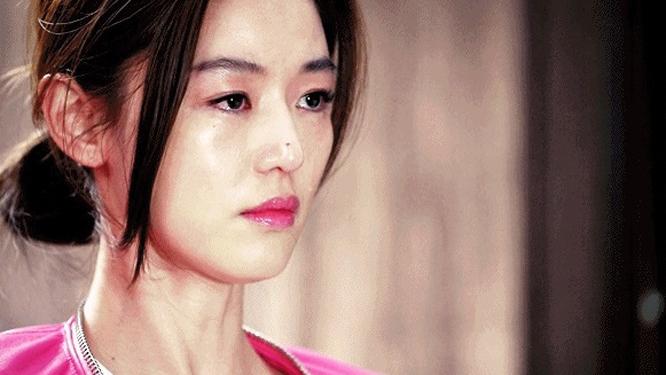 김수현 못 잊은 전지현 '내가 남자 때문에 울어'