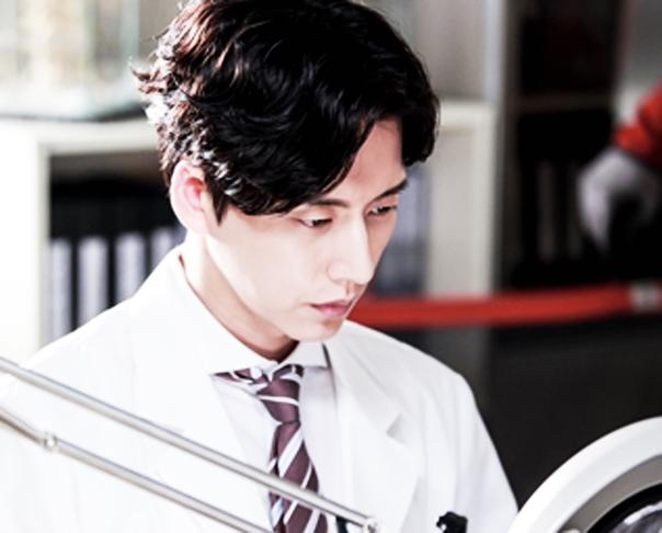 ALL VOD몰 작품 추천 훈훈한 의대 선배 박해진 '닥터 이방인'