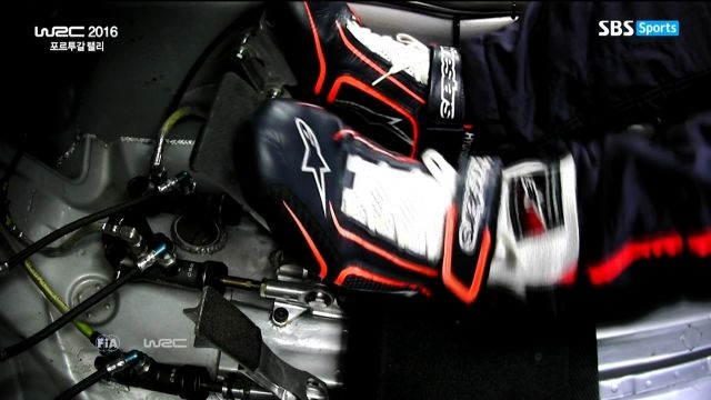 [5차 포르투갈 랠리] 드라이버들이 왼발로 브레이크를 ... 썸네일 이미지