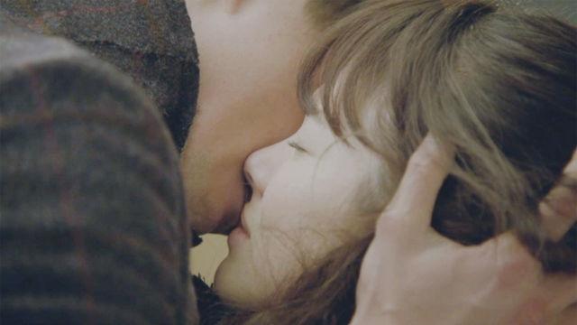 격하고 슬픈, 조인성♥송혜교, 거침없는 '키스' 썸네일 이미지