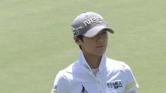 '대회 첫 버디' 지난해 우승자 박성현의 2번홀 퍼팅
