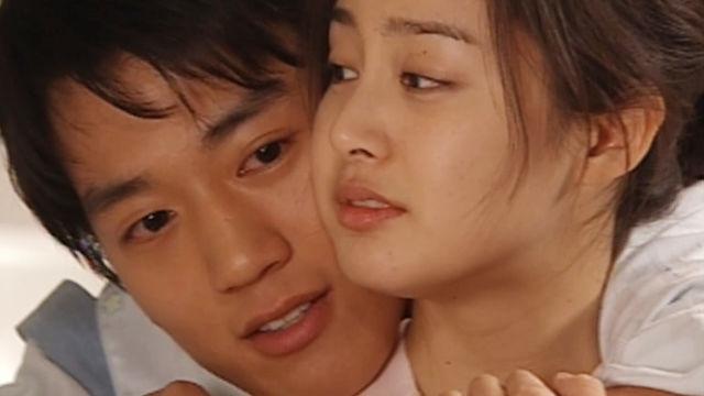 김래원♥김태희, 깨 볶는 신혼…초 밀착 백허그 썸네일 이미지
