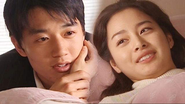 잠자는 미녀 김태희, 누워만 있어도 '자체발광' 미모 썸네일 이미지