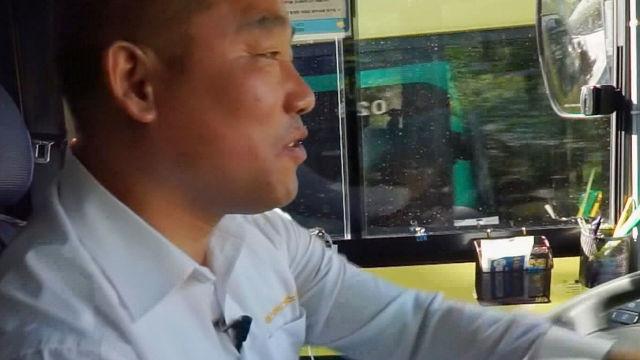열악한 환경에서 '살인적인' 강도로 노동을 하는 버스기사