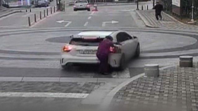 교통사고를 선행으로 위장한 충격적 사고 현장