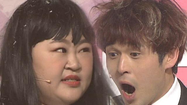 무대를 아수라장으로 만든 홍윤화와 김진곤 '폭소' (아... 썸네일 이미지