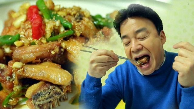 백종원, 튀김옷 없이 튀겨낸 마늘 치킨에 '흡족'
