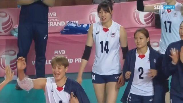 [한국 vs 페루] 경기 마무리 짓는 김수지, 3-0 ... 썸네일 이미지