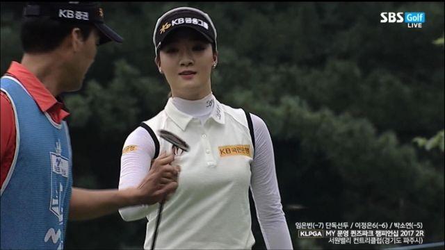[MY문영 퀸즈파크 2R] 버디 성공 하는 오지현, 과... 썸네일 이미지