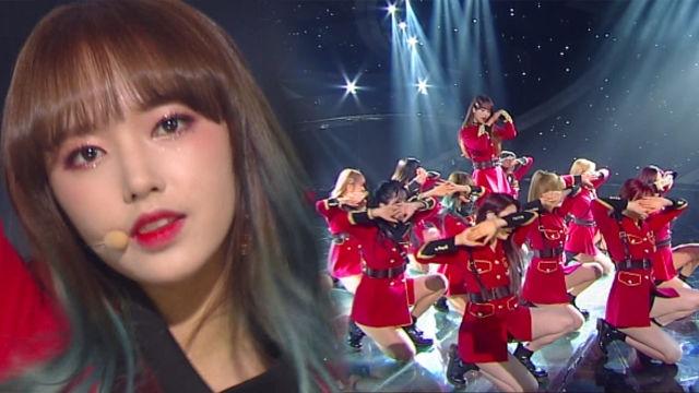 마법사 소녀들 '우주소녀'의 무대 '꿈꾸는 마음으로' 썸네일 이미지