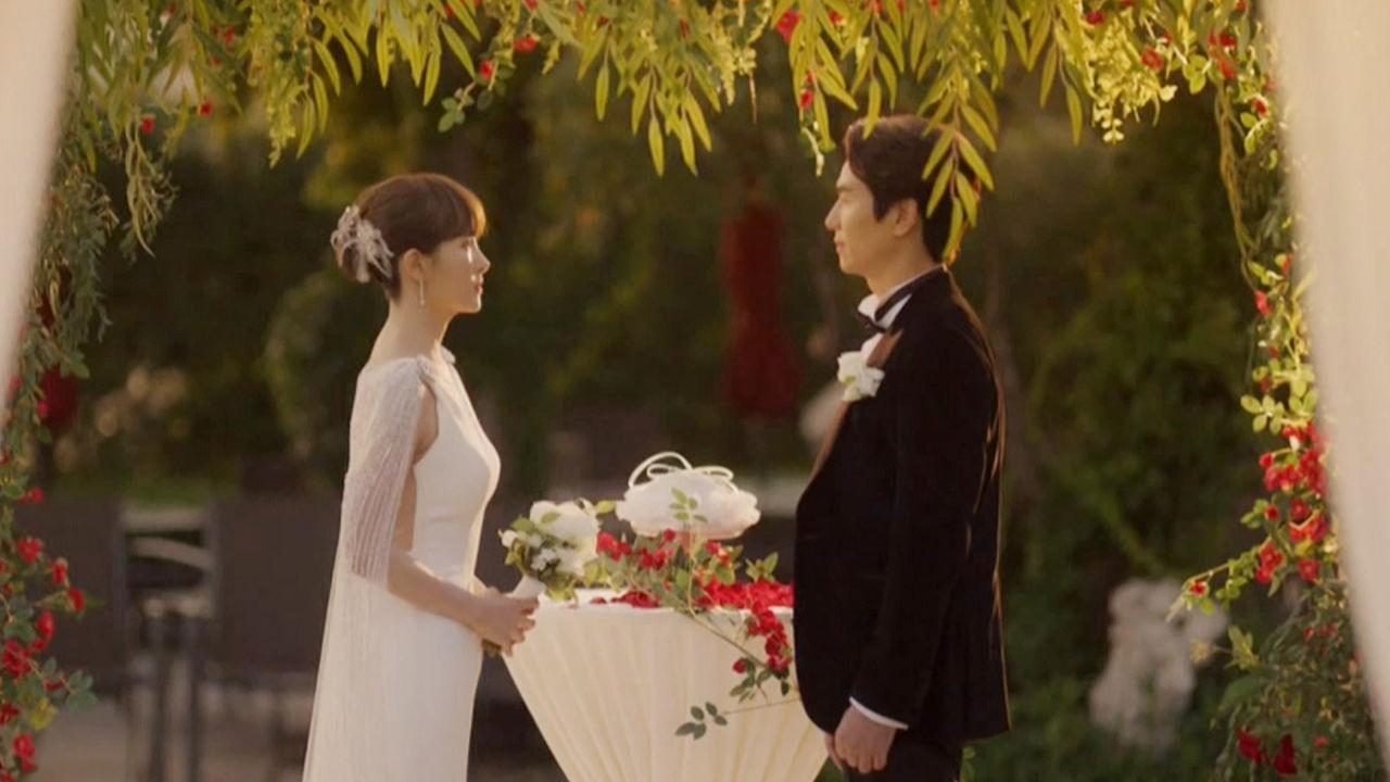 김선아, 김태훈과의 환영받지 못한 결혼식